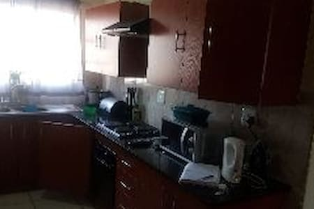 3 bedroom flat within the comfort ofwoodridge park