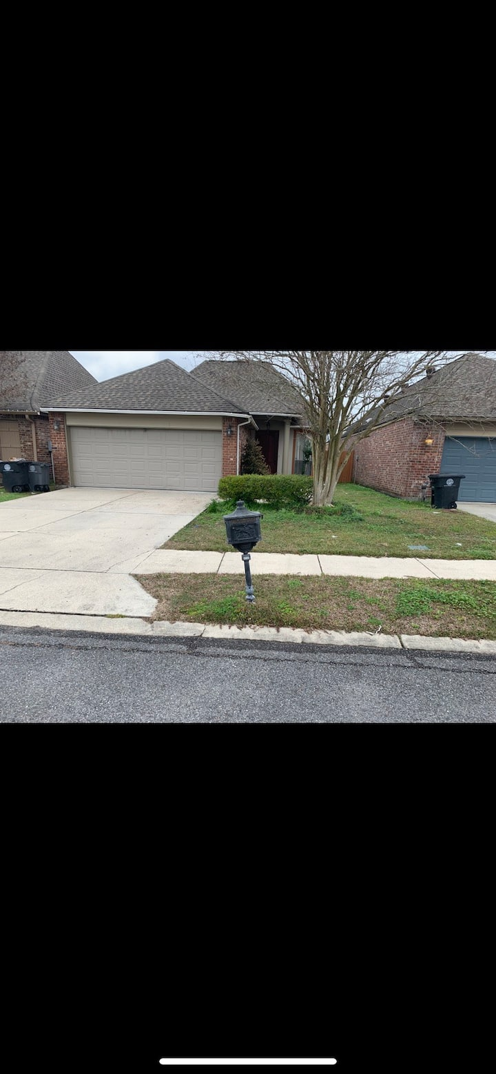 Quiet 3 br house in family-friendly neighborhood.