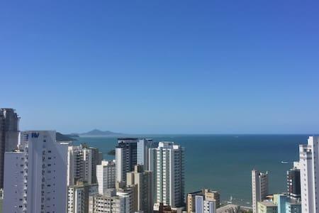 Apto com vista panorâmica em BC - Balneário Camboriú