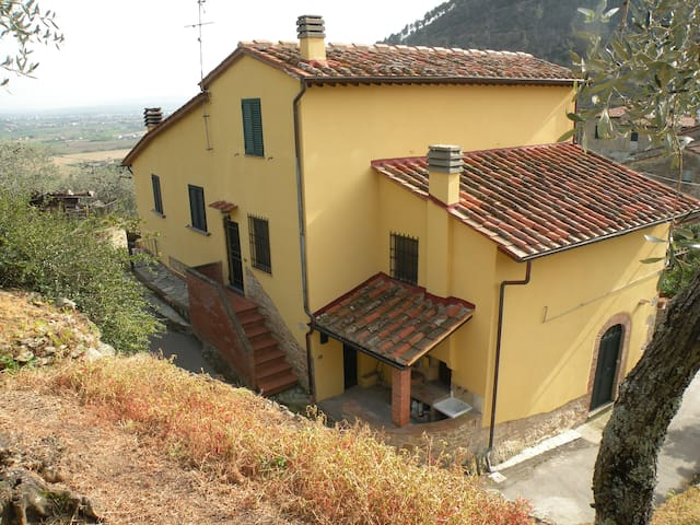 Sant'Agata House (near Pisa, Lucca, Florence) - Buti - Дом