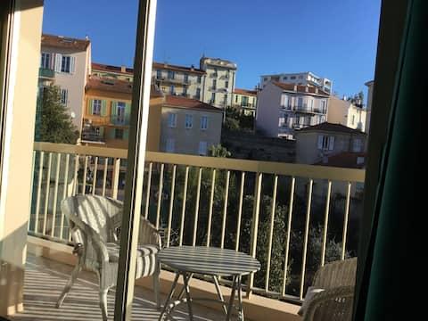 Studio au calme, centre Cannes Clim Balcon Parking