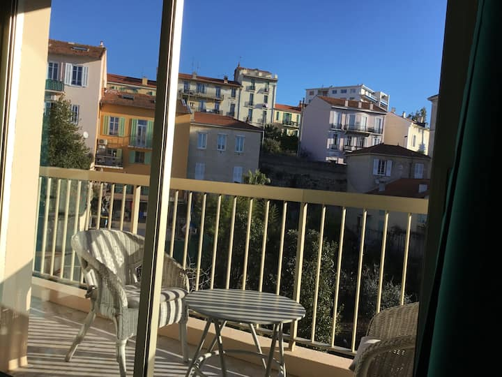 Studio au calme, centre Cannes Clim Balcon Parking