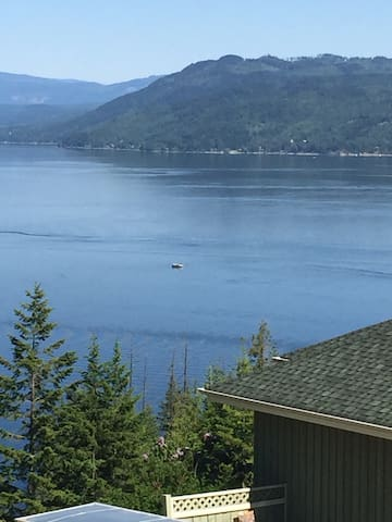 RV overlooking Shuswap Lake (stationary only) - Scotch Creek - Camper/Roulotte