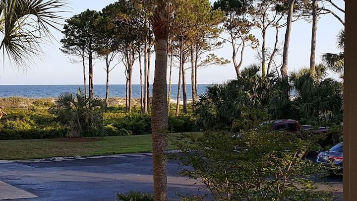 Just steps to the Beach, Ocean View Villa