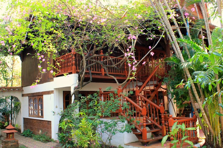 Secret Garden Sukothai House - Tambon Mae Khue - Bungalow