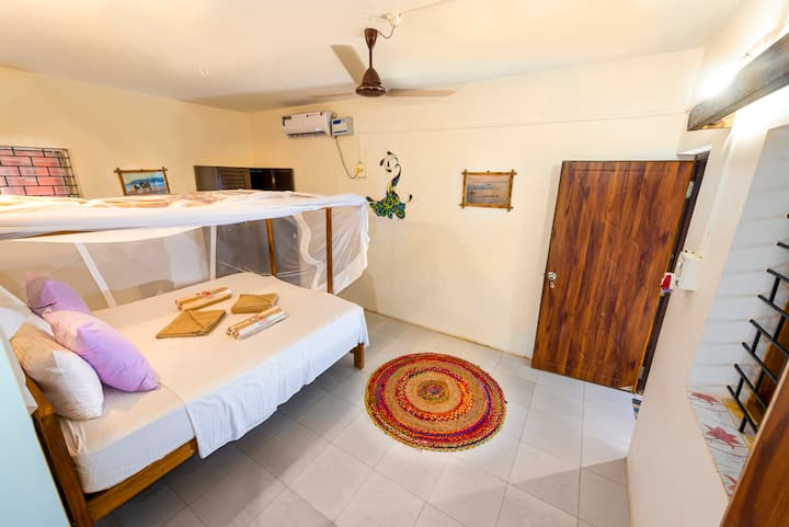 2 STANDARD QUADRUPLE AC ROOM ON AGONDA BEACH