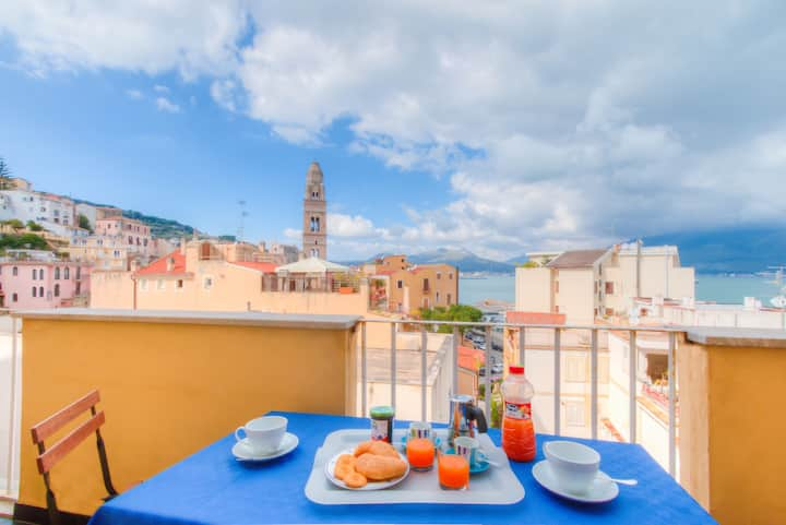 The Tower Bell Panoramic Apartment Gaeta★ +Parking