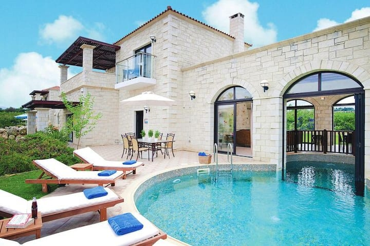 4 star holiday home in Platanias
