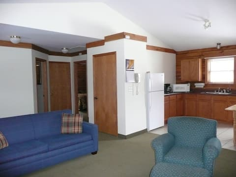 Cottages at Mariner's Resort at Carlyle Lake,62231
