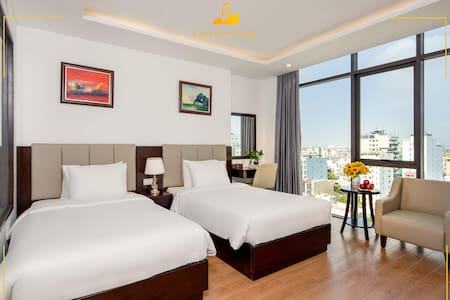 twin room city view