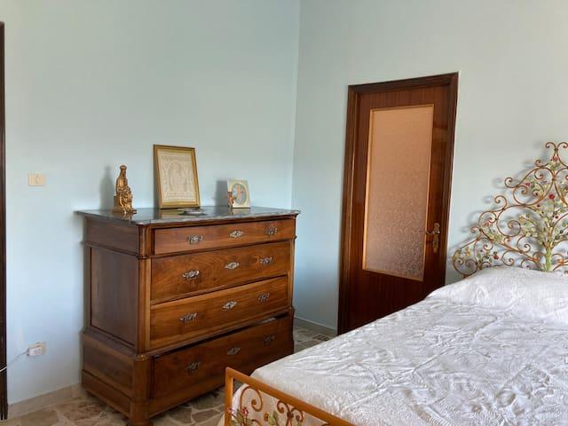 Camera azzurra due letti singoli