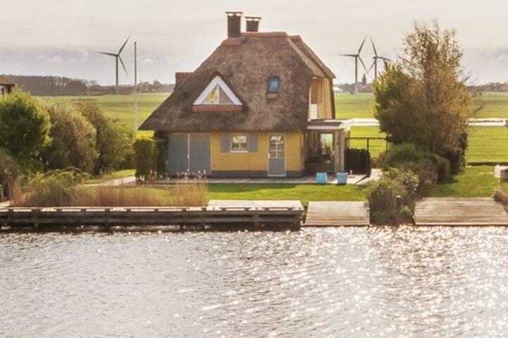 Familiehuis aan het water in Stavoren