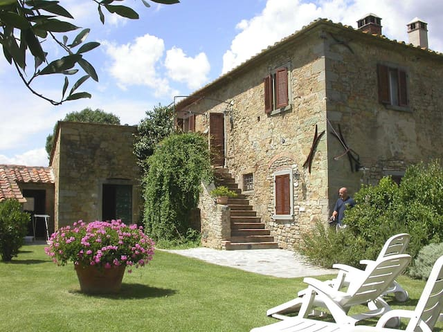 Ancient cosy farmhouse in Tuscany - Cortona - Haus
