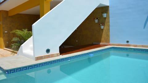 La Isla del Júcar: Exclusiva casa con piscina