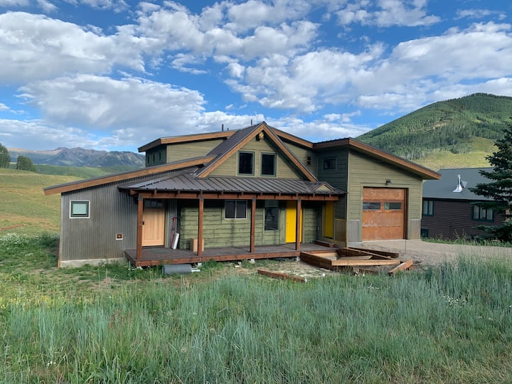 Updated 3 BD/3BA House in Mt CB with World Class Views!