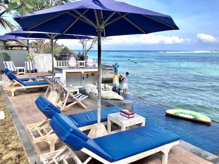 Villa Lembongan 2 adult AQua Beach Front