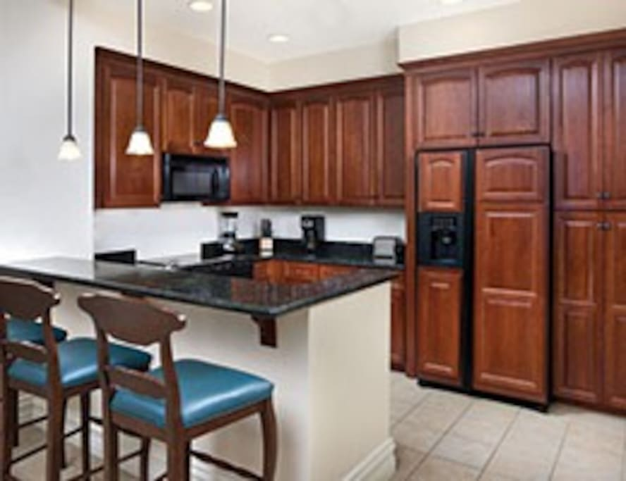 SPACIOUS KITCHEN FOR GREAT MEALS