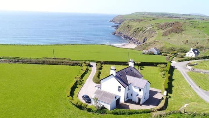 Large comfy house with garden, spectacular views.