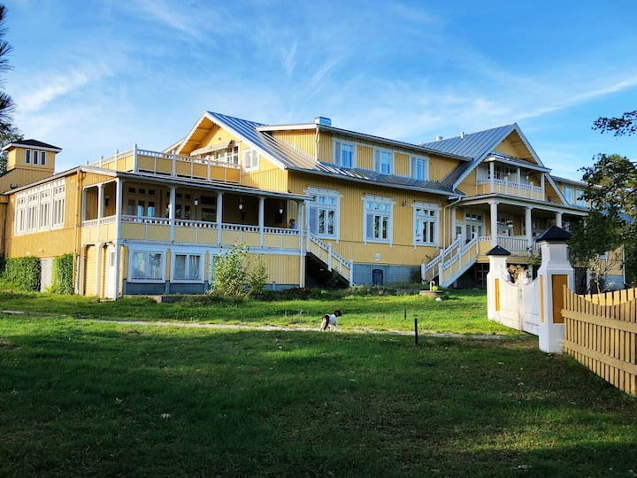 Villa Ekbaldh - Seafront Villa