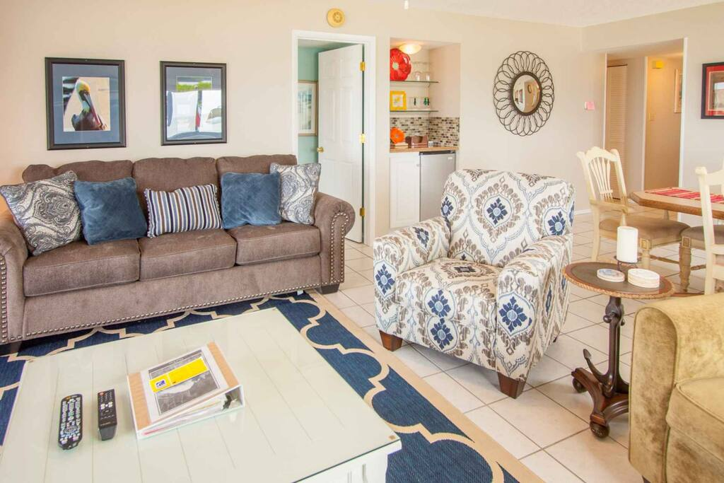 Spacious Living Room Area with Queen Sleeper Sofa/Flat Screen Cable TV/Private Patio with Gorgeous View of The Gulf of Mexico