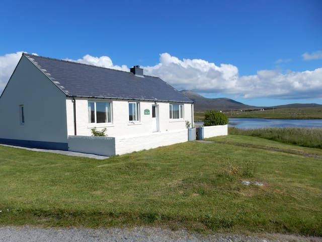 Tigh Tom. Cosy cottage in a stunning location