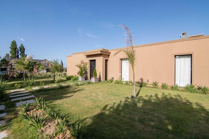 Brand new stilish house in Colinas de Carrasco