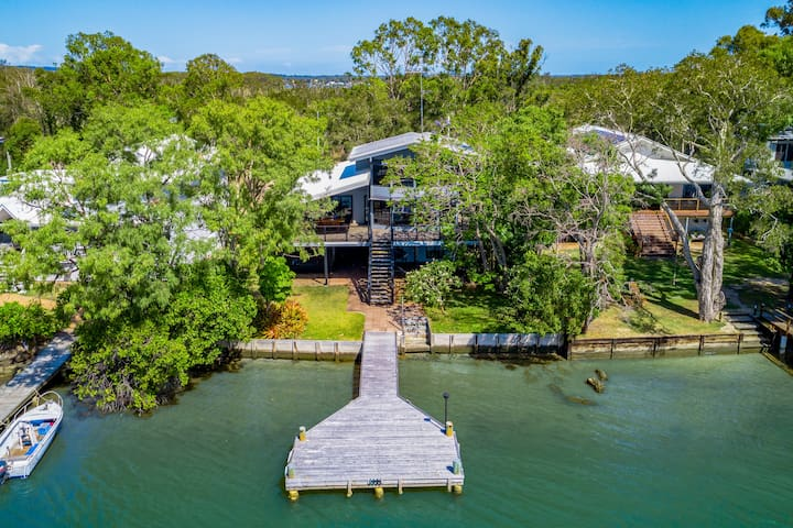 ABSOLUTE RIVERFRONT – NOOSA NORTH SHORE