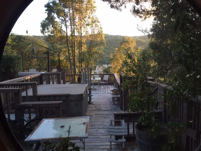 Hilltop Estate Apartment with Deck, Views Hot Tub
