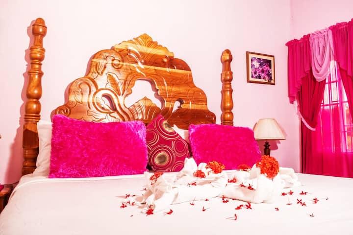 The Coral Suite @ Pink Hibiscus Villa
