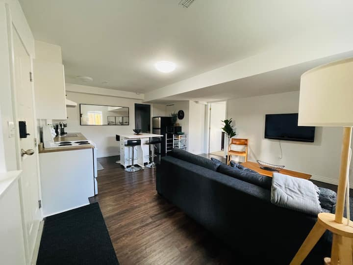 Bright and Spacious One Bedroom Suite