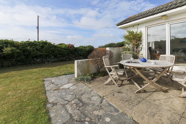 Beach Cottage in Constantine Bay, near Padstow