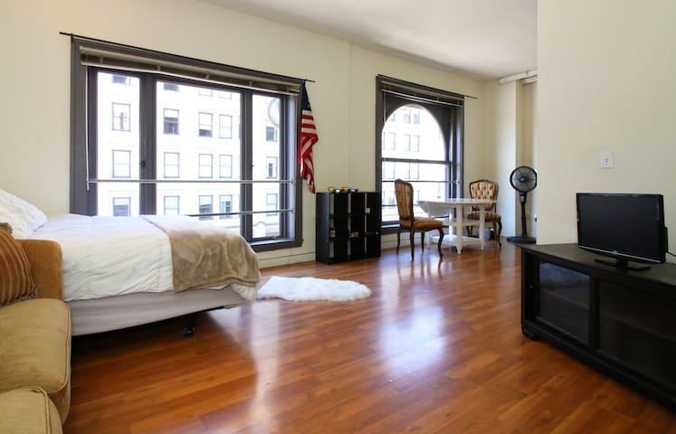 BEST Downtown Loft