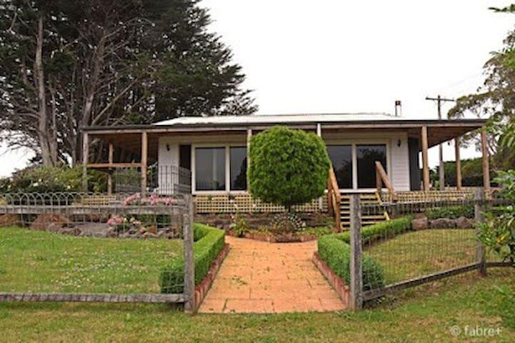 The Farmhouse @ Donegan's - Gordon - Bed & Breakfast