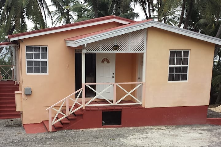 IVY Cot Beach House