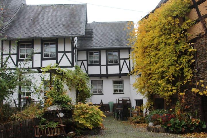 """Ferienhaus """"Haus am Pütz""""  - Wintrich - House"""