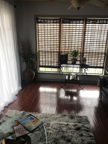 Cozy Guest Room Near Suntrust Park