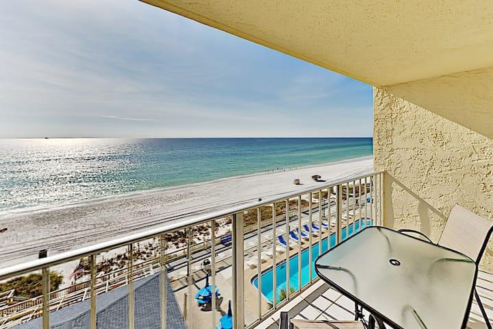 Beachfront Condo | Regency Towers | Pool & Hot Tub