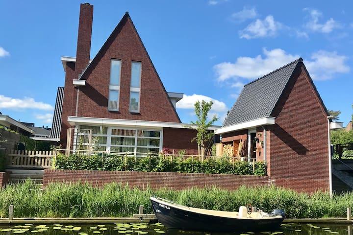 Spacious vila near Amsterdam and Zandvoort beach