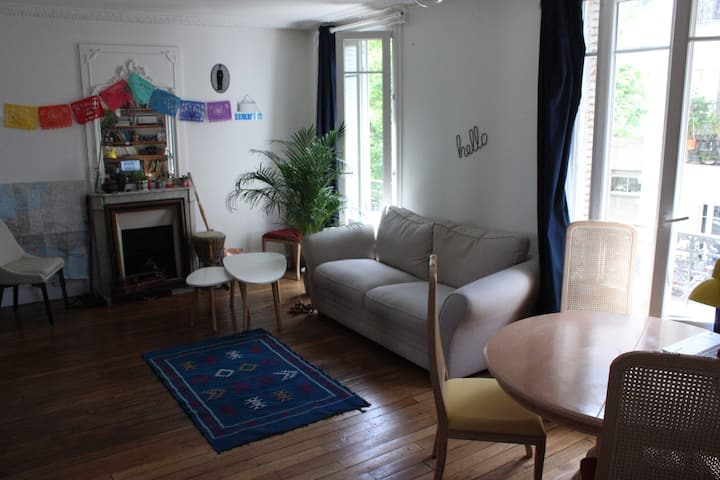 Central, calm and bright apartment. You'll love it