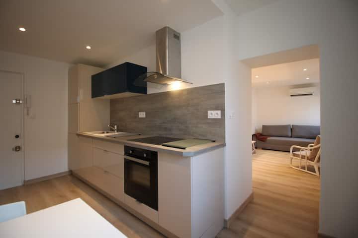 Appartement deux pièces, 38m2, coeur du village