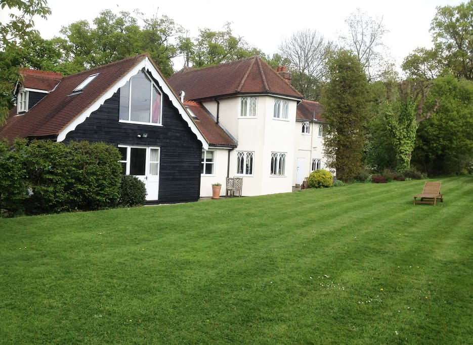 Lovely Country Home Near London 17 Mins Train Houses