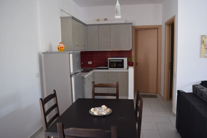 Spacious Apartment With Sea View - Himarë - Appartement