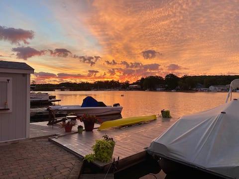 Cozy Lakefront Suite w/ Heated Floors & 2 Kayaks