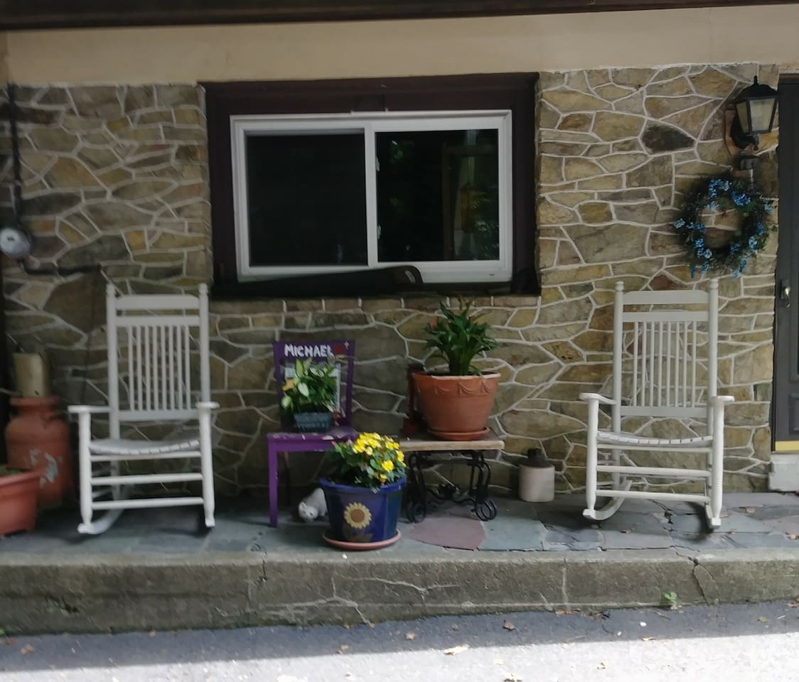 Private entrance, the front of your place of stay. Listen to the rooster crow and babbling brook, pure serenity!