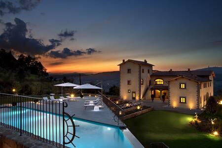 """Little Paradise """"Li Zuti Country Resort"""" - San Donato In Collina"""