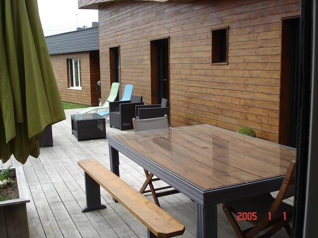 chambre dans maison  ossature bois récente - Plaintel - Casa
