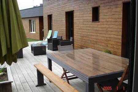 chambre dans maison  ossature bois récente - Plaintel - Rumah