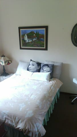Seperate room in house with onsuite - Kempton Park - Hus