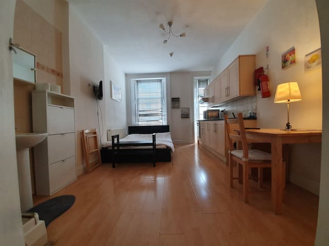 AMAZING Studio Apartment kensington Prime location