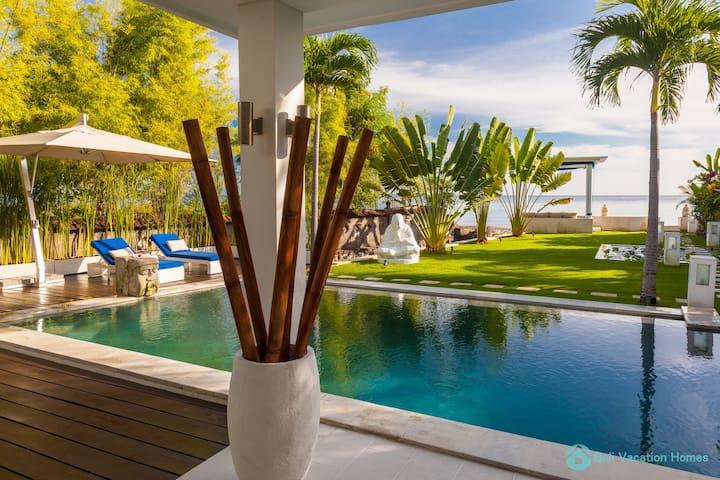 Villa Ibiza Bali swimming pool
